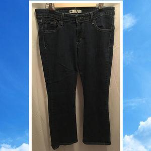Size 13 Short Levis Jeans 518 Superlow Straight